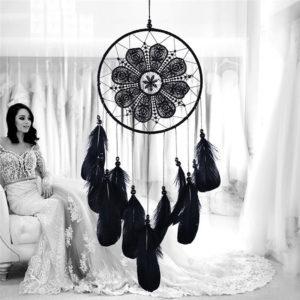 Attrape rêve Wabognie : plumes et dentelle